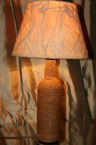 Уникальная настольная лампа-бутылка